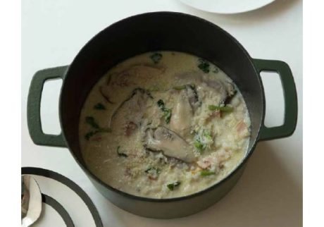 ダッチオーブンと土鍋で作れるレシピ&テーブルコーディネートブック発売中。