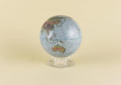 アメリカ製の地球儀 選・文/郷古隆洋