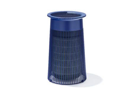 〈プラスマイナスゼロ〉の新型空気清浄機は、全方位に対応できるフィルターを搭載。