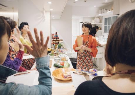 <ハウス オブ ロータス>が「世界を旅する料理教室」を開催。