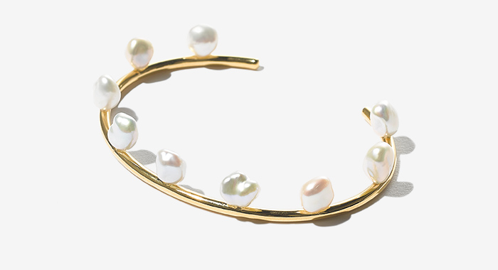 MARIA BLACK baroque pearl bangle