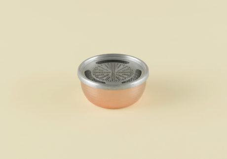 骨董王子・郷古隆洋の日用品案内。〈新光金属〉の銅おろし器