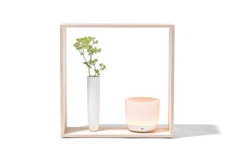 〈nendo〉と〈Flos〉がテーブルランプを発表。