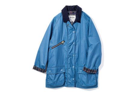 アレクサ・チャンが〈バブアー〉のジャケットをプロデュース。