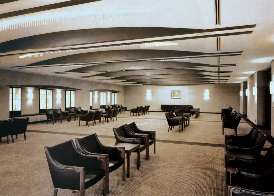 デンマーク家具デザインの巨匠ハンス・J・ウェグナーに、〈アクタス〉 が依頼し、熱海・MOA美術館のためだけに作られた椅子「JAPAN CHAIR」。一般流通しなかった希少なもの。