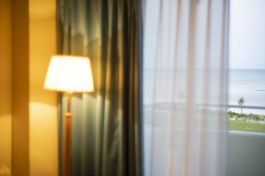 ミヤギフトシ 《A Lamp》(「物語るには明るい部屋が必要で」より) 2019年 デジタル Cプリント 作家蔵 (C)Futoshi Miyagi