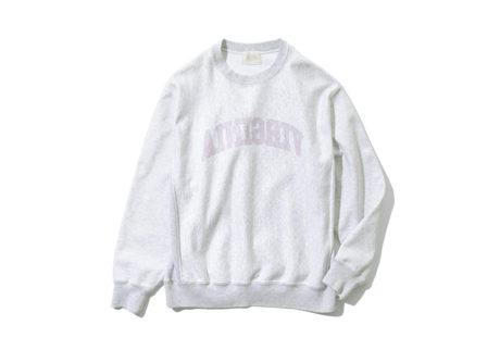 ヴィンテージを着想源にした〈ブラームス ルーツストック〉のスウェットシャツ。
