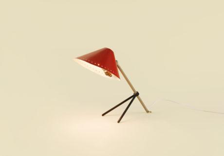 骨董王子・郷古隆洋の日用品案内。〈HALA〉のデスクライト