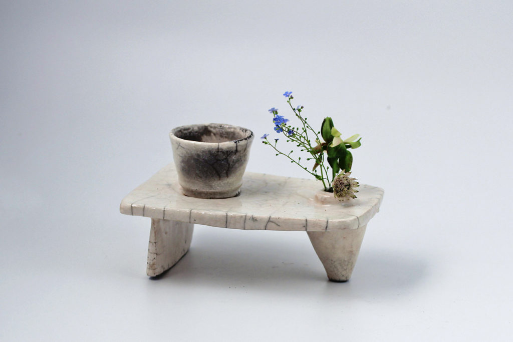 セシル・ダラディエによる花器「pique - fleurs」