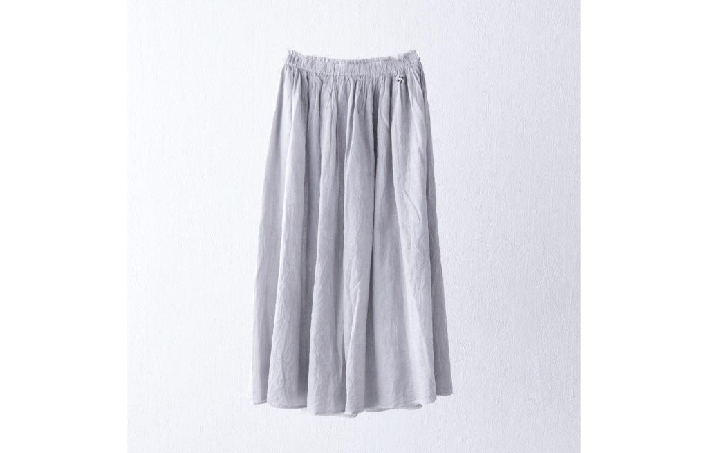 スカート ¥27,000 (アンティパスト)