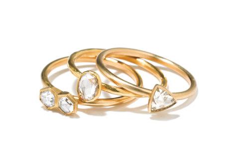 〈ソウス〉の遊び心を感じる愛らしいデザインのダイヤモンドリング。