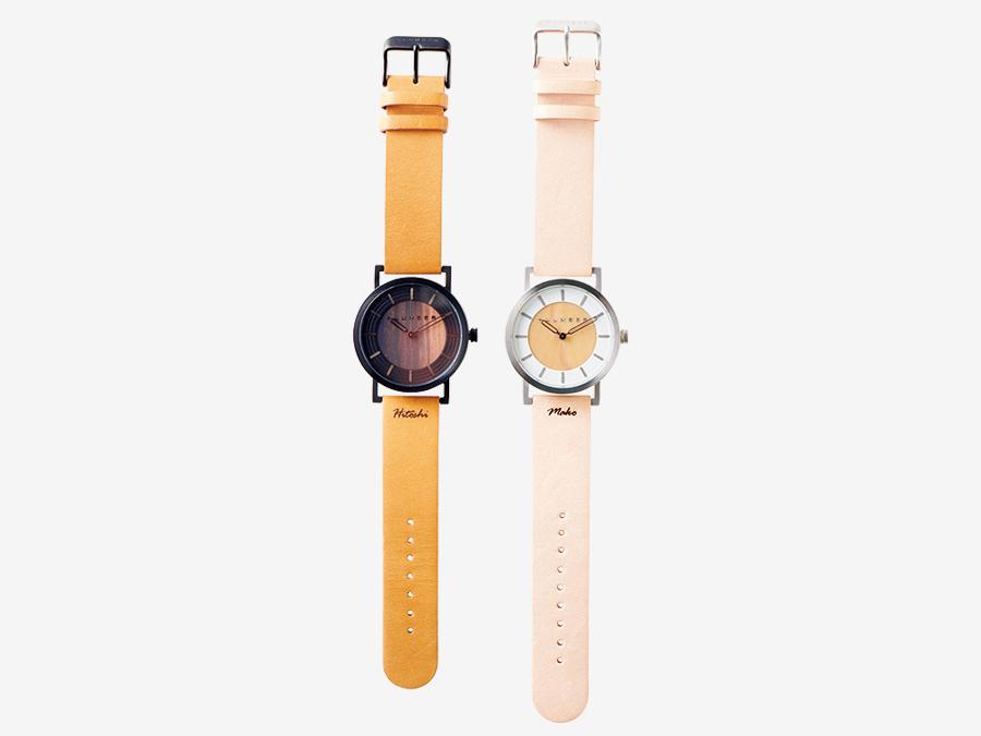Hacoa DIRECT STORE  ハコア ダイレクト ストア ▶6F 伝統工芸の技術と北欧風のデザイン。 長い歴史を誇る越前漆器の木地づくりをルーツに持つ、木製雑貨ブランド〈Hacoa〉の直営店。デザインから製作までを一貫して行う。大切な人へのプレゼントには、ステンレスを削り出したケースと銘木の文字盤に、ヌメ革ベルトが上品な腕時計を。カジュアルなコーディネートにもきちんと感を与えてくれる。WATCH2200各¥18,150*税込(+LU MBER)、ベルト部分への名入れ刻印¥1,100。