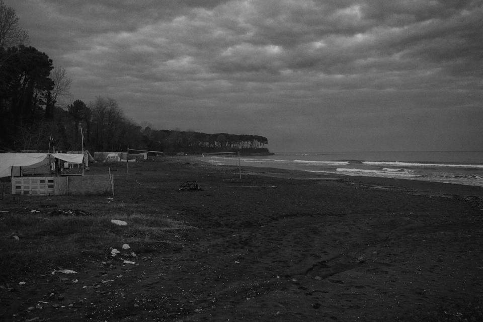 28_黒い海