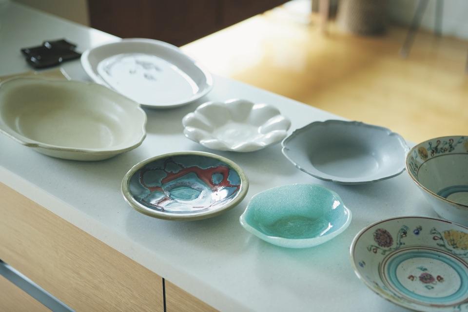 子育てに忙殺されていたとき、食卓を晴れやかにしたくて可愛い器を集め始めた。