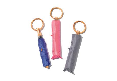 〈ボンボンストア〉の晴雨兼用できる折りたたみ傘。