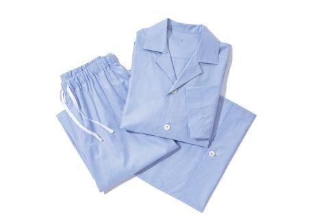 極細の糸で織られた〈アーツ&サイエンス〉の肌触りのいいパジャマ。