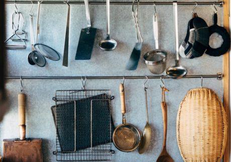 読者の皆さんから。「使い勝手のいい、台所と料理道具」。