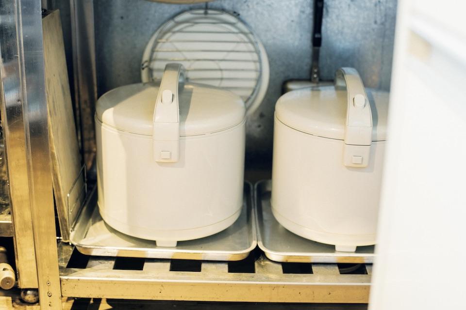 健康のために酵素玄米を週 1 で炊く習慣が。 おいしく保存できる「保温ジャー」を愛用。