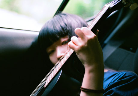 音楽家・青葉市子×写真家・小林光大が紡ぐ、旅と日々の記憶。Choe「つづき」