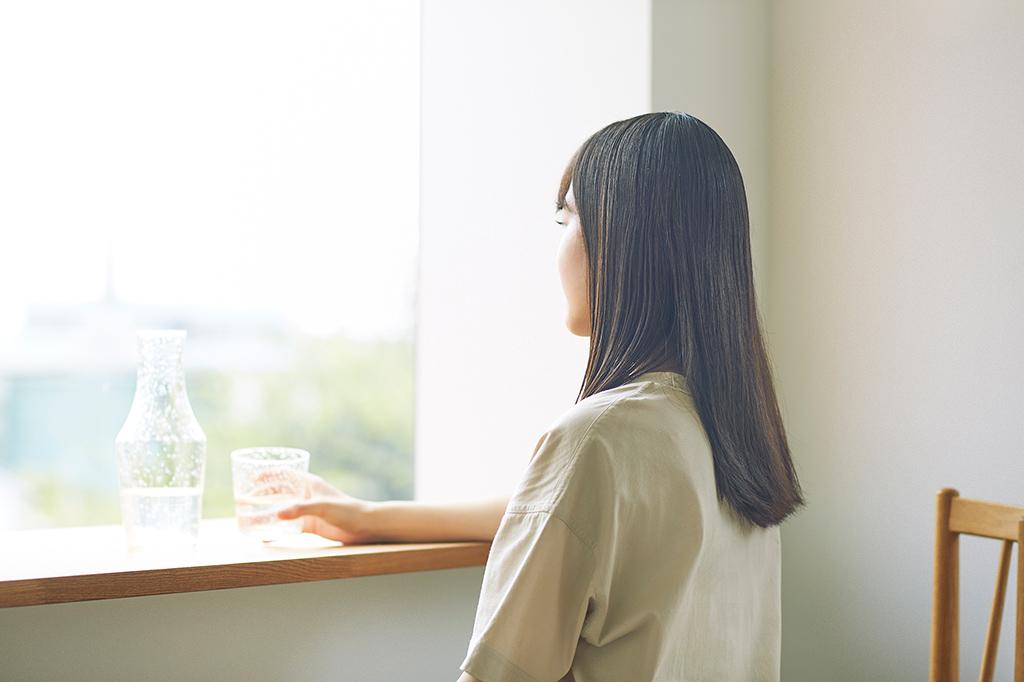 Moisture 太く分厚い日本人の髪に染み込んでうるおすチカラ。