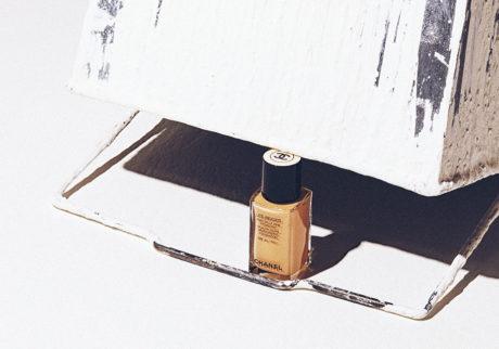 キレイの理屈       乾燥から守る高度な保湿を叶えるファンデーション。