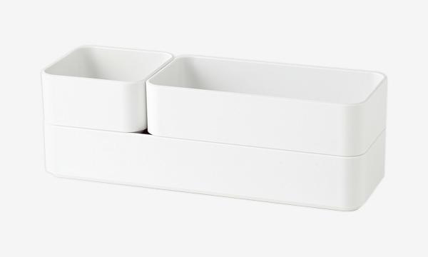 2019年度のグッドデザイン賞を受賞した「Nブラン」の整理トレー。考え抜かれたサイズ設計に加え、内側はほんの少しカーブを描いた形状で、掃除しやすい工夫も施されている。