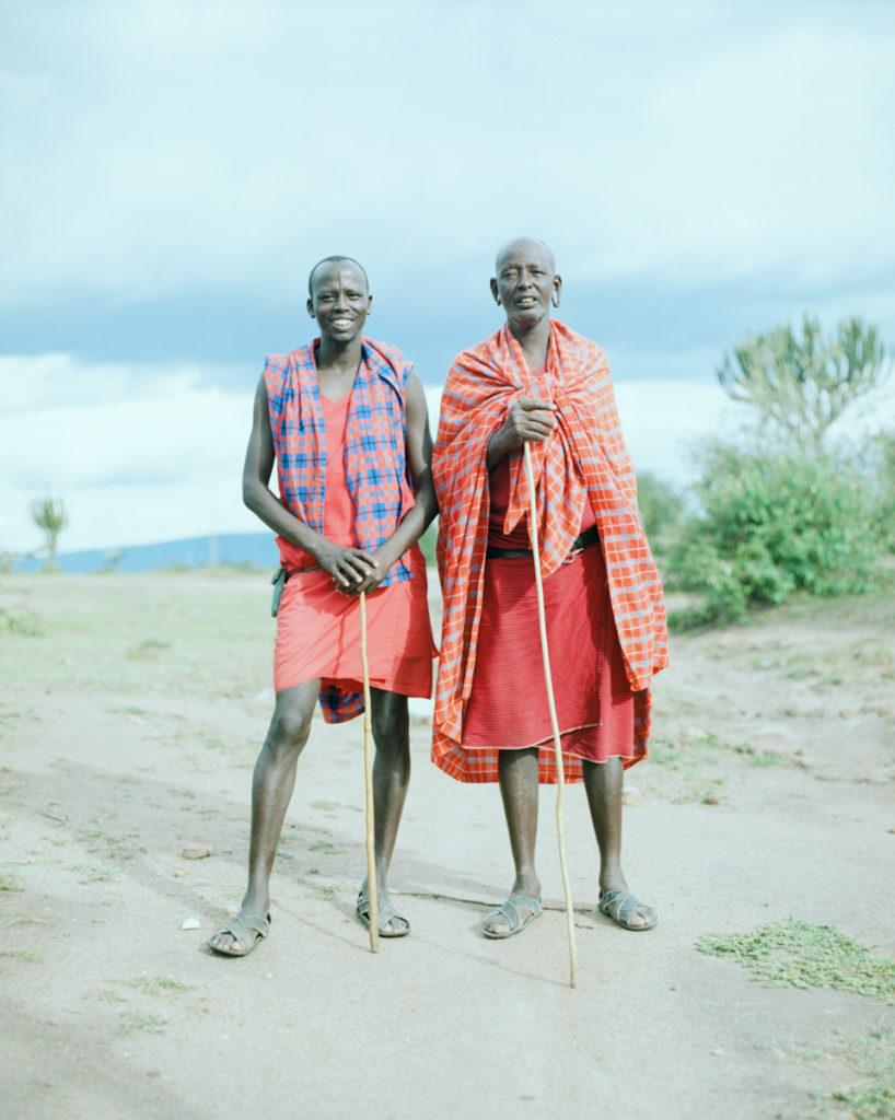 海辺で出会ったマサイのみんなは SNS 大好きだったけれど、 マサイマラのみんなはあんまり携帯いじってないな。