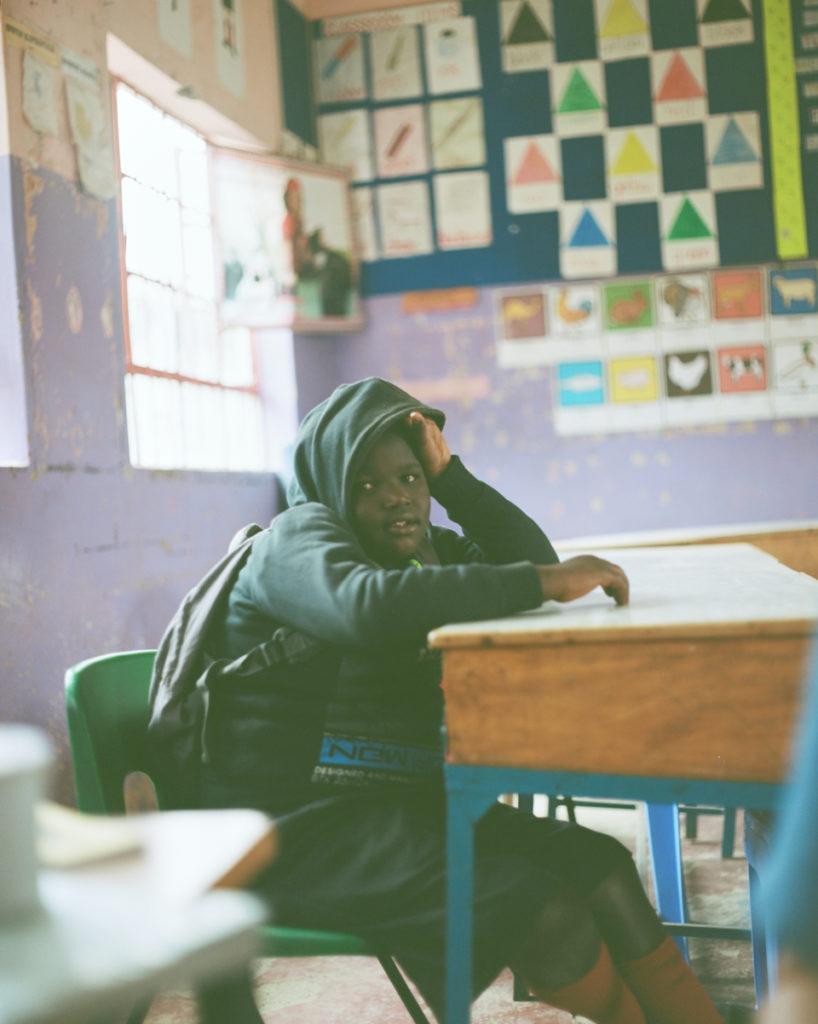 学校。先生がいない。長期休みあけはよくいないとのこと。