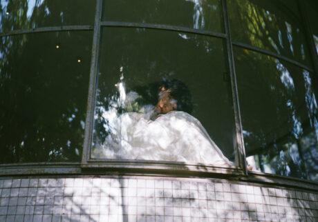 音楽家・青葉市子×写真家・小林光大が紡ぐ、旅と日々の記憶。Choe「月と鯨」