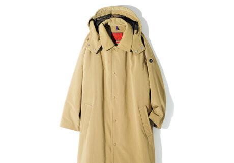 〈ビューティ&ユース〉と〈イエティ〉がタッグを組んだ本格仕様のダウンコート。