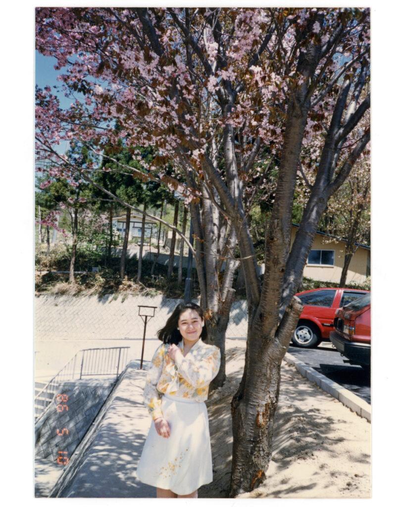 2021_02_02 私の母親のポートレート。 実家の前にある桜の木は5月ごろが見頃だ。