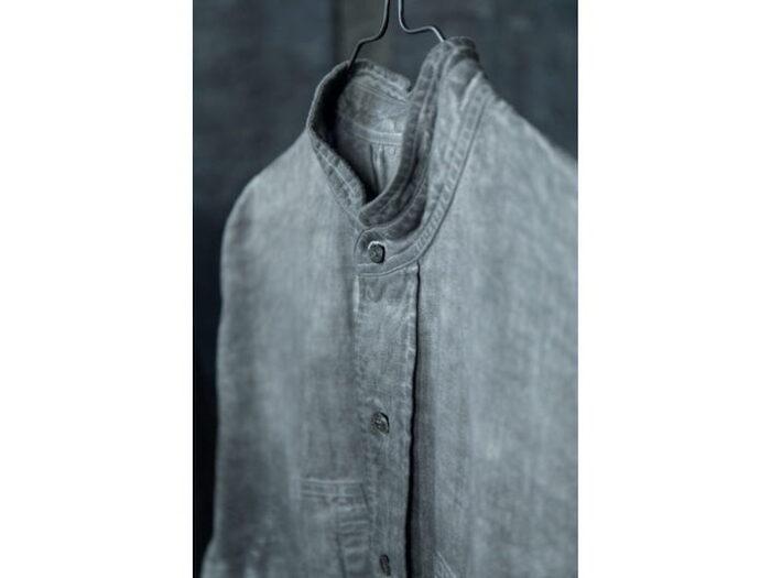 墨染めの、インド産手紡ぎ手織りのコットンシルクのド レス¥48,000