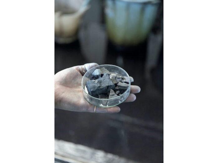 藍染めの原料はインド産を使用している。