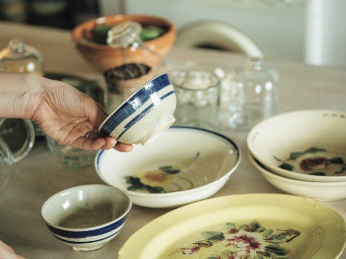 こちらもソンべ焼。飯碗や平皿など、和食にも合うサ イズ感。小鉢にしたり、煮物を入れたり。