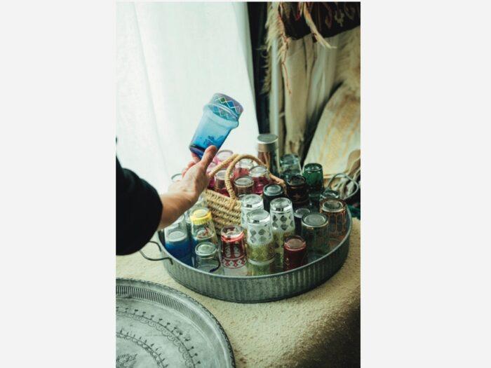 トルコのチャイグラス。「問屋街や ほこりをかぶっているような古道具店 で見つけるのが楽しい。言い値みたいなことも多いです(笑)
