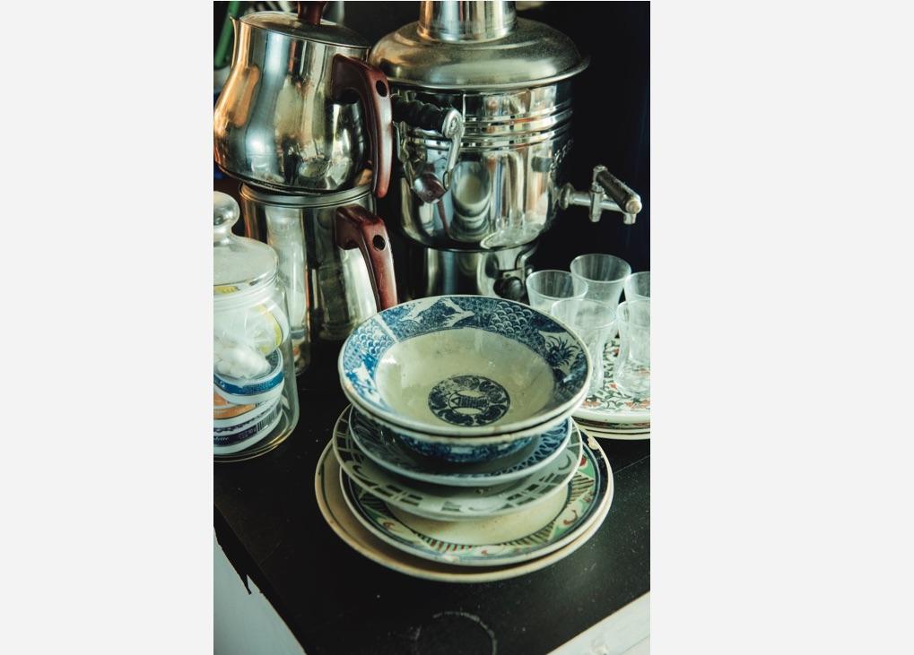 10年ほど前に知ったベトナムのソンべ焼。ブルーラインは庶民の器。オールドソンべは現地でもなかなか手に入らない。