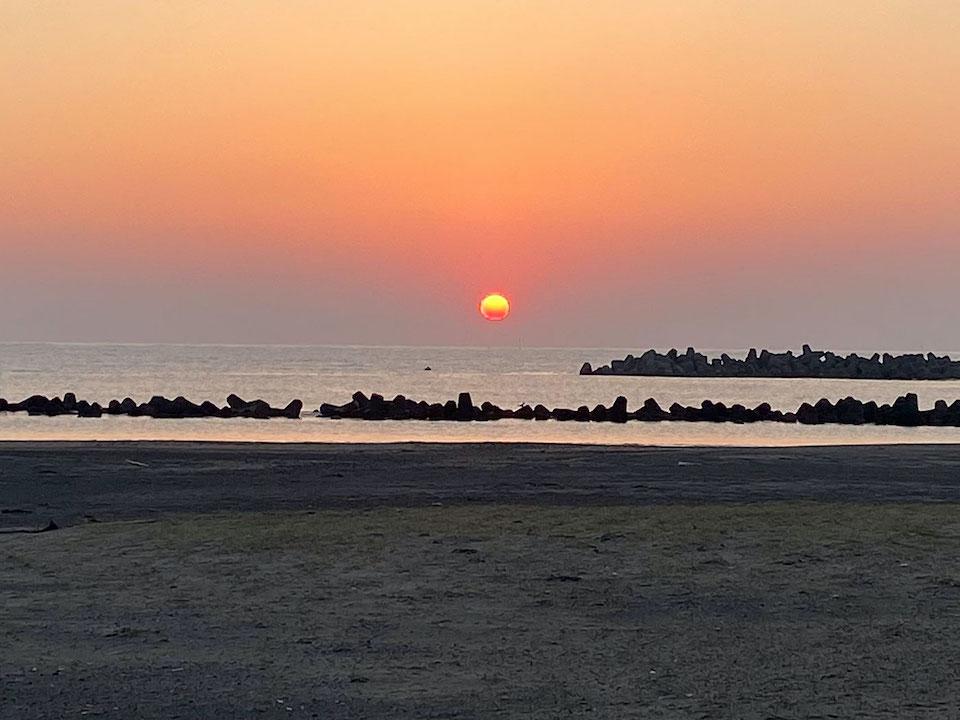 朝日が昇るよ〜。