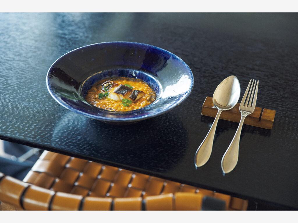 リボルノ風リゾットなど近海で獲れた魚介を満喫する『アルマーレ』(鳥取県岩美郡岩美町陸上34)の料理。