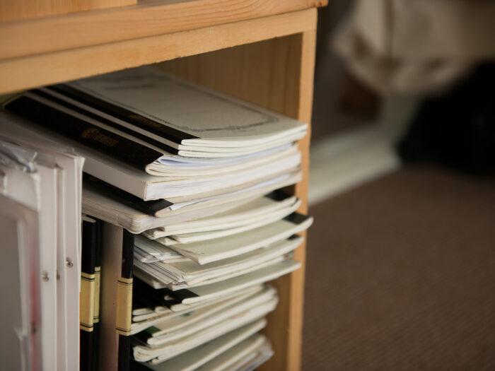 これまで書き留めてきた歴代のノートたち。以前ものも時々読み返すそう。