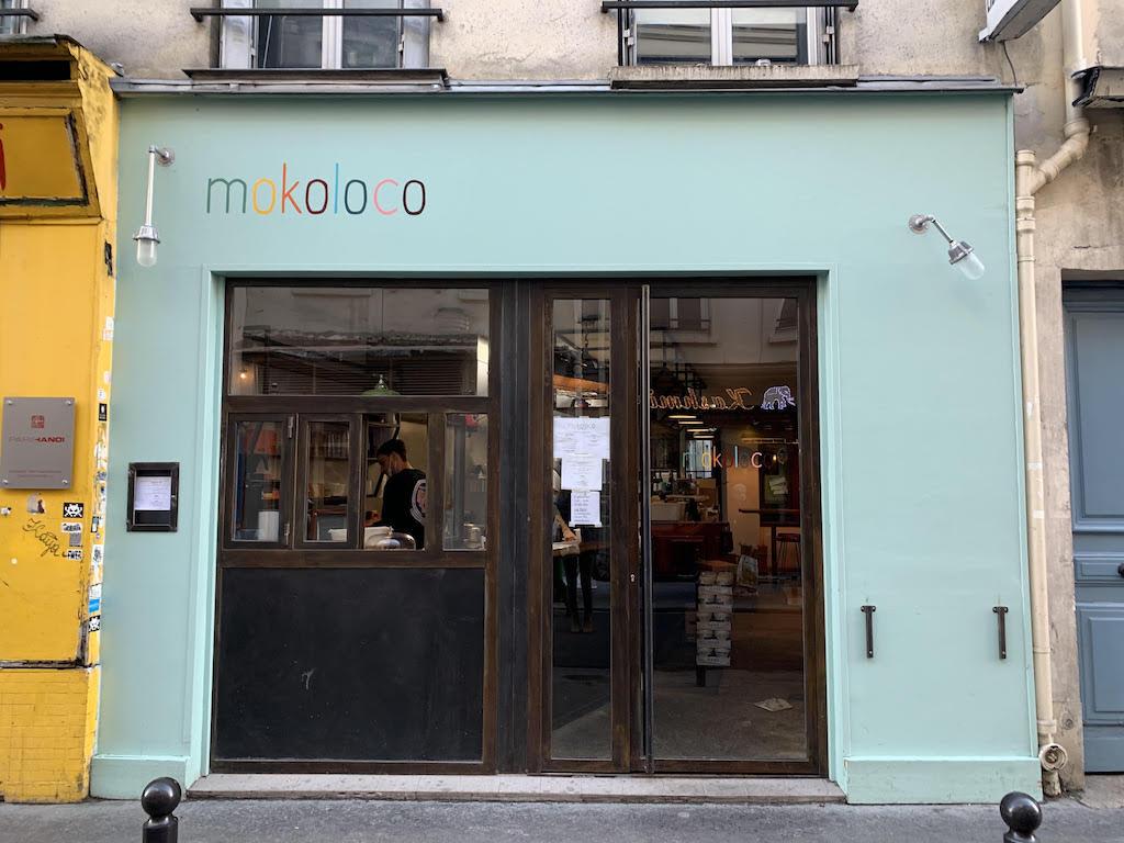 『Mokoloco』 74 rue de Charonne 75011 ☎️09-80-81-82-85 11:30〜15:00 日休 サンドイッチは3~4種類。ラインナップは頻繁に変わる。