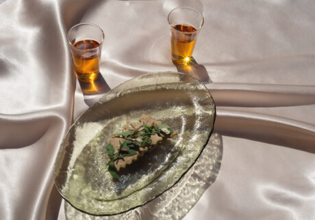 長田佳子の季節のハーブを愉しむお菓子。ルッコラとパセリのクラッカー