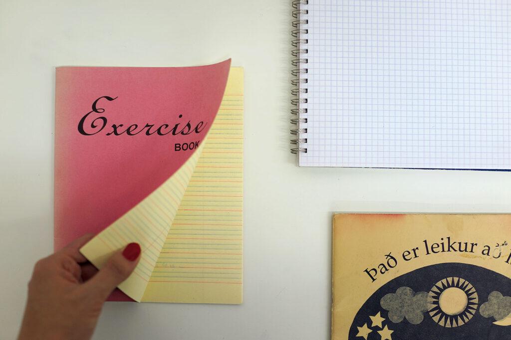 小林エリカ 文房具 トラベラー   学習帳 練習帳 左/香港の英語書き取り練習帳はクラシカル。裏面にはアルファベット一覧表も。右上/フランスはおなじみ、〈Clairefontaine〉のリングノート。方眼の微妙な色合いが◎。右下/アイスランドの子ども向け学習帳は渋くていいね。