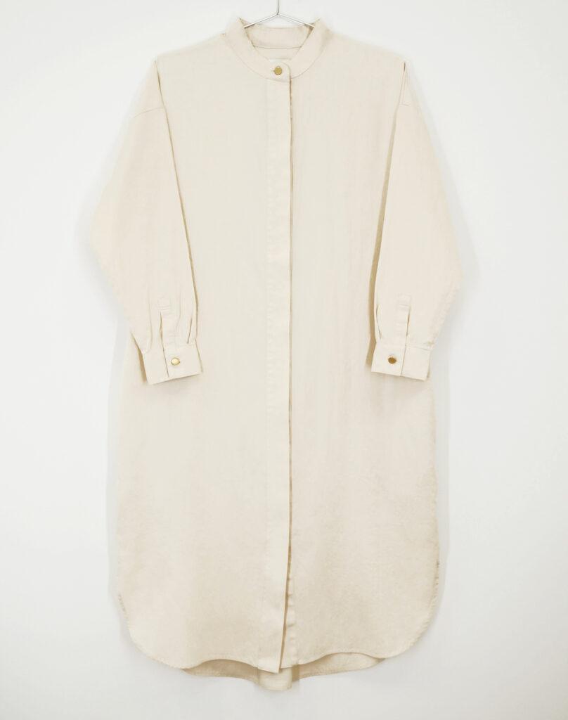今回の阪急うめだ本店で先行発売されるシャツドレス(※数量限定、共布ベルト付属)。¥26400