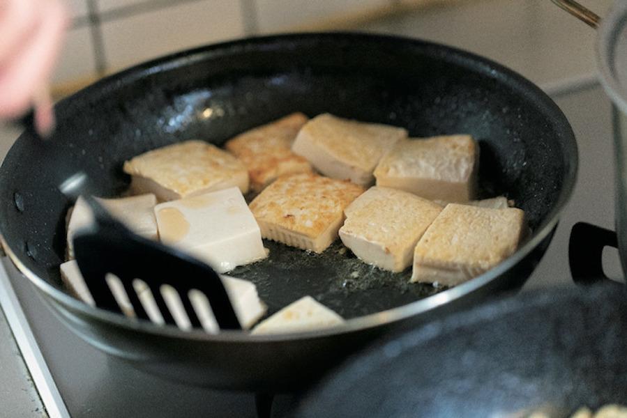 豆腐は木綿でも絹でも。