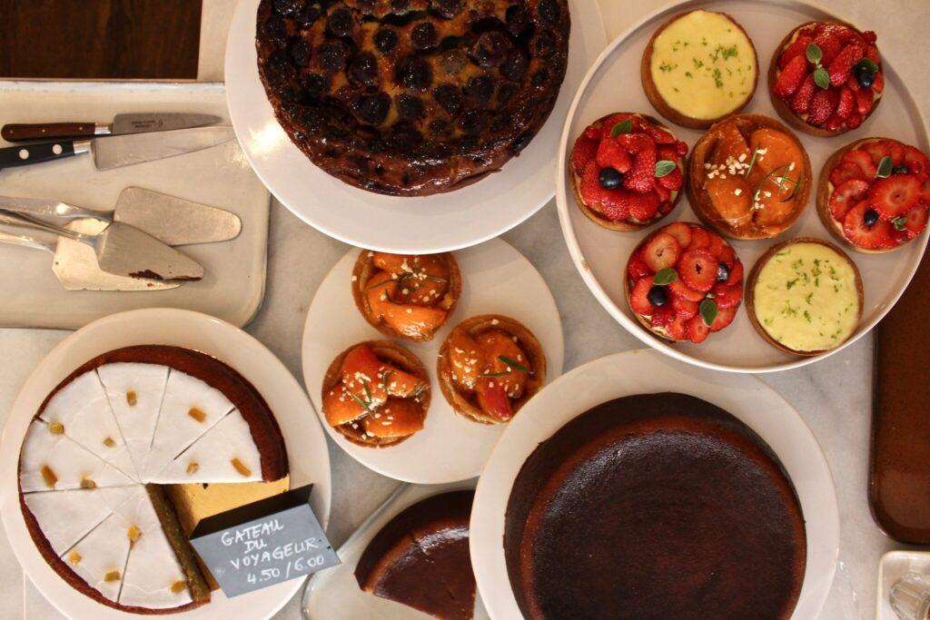 ケーキも全て、マリオンのパパが焼いている。芋ようかんを少し柔らかくしたような質感の栗の粉のケーキ、fondant chataigneが私は大好きです。