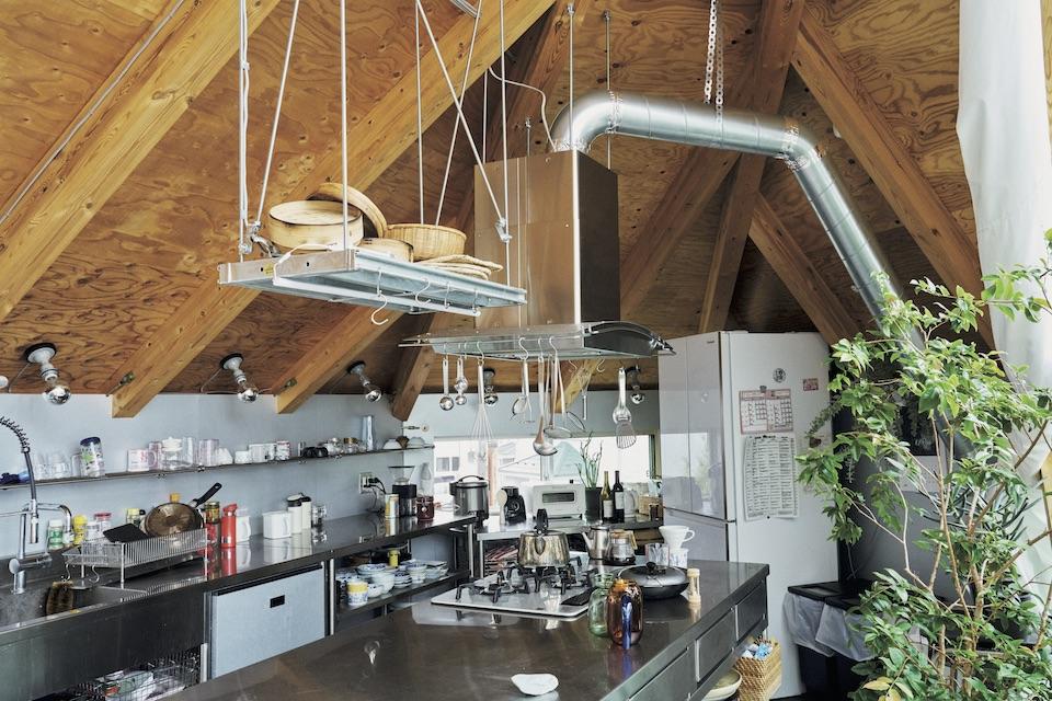 広々としたキッチンは、料理好きな母の要望を形にしたもの。